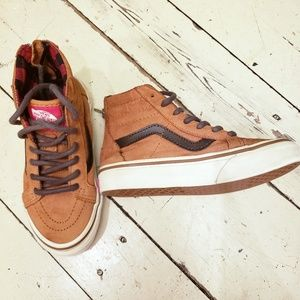 GUC Vans sk8-hi leather shoe.  Size boys 13.